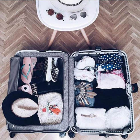 The art of packing with Spanish fashion blogger Monica Sors